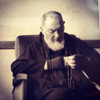 st-padre-pio-and-the-rosary